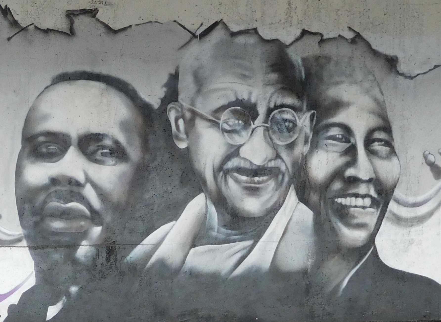 graffiti_by_e2c_young_people_-_martin_luther_king2c_jr-2c_mohandas_k-_gandhi2c_nelson_mandela