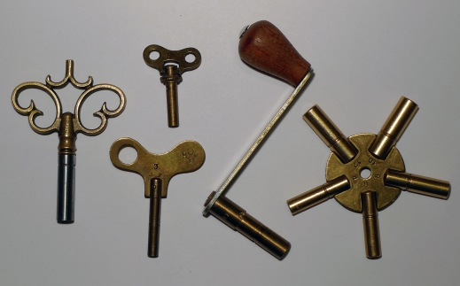 mainspring_wind-up_keys