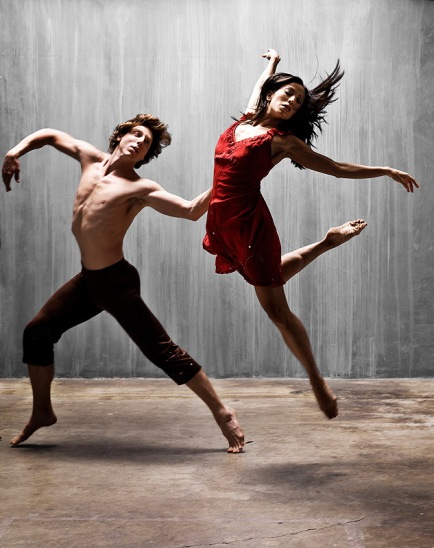 Two_dancers