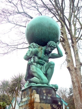 hercules_statue_by_william_brodie_28portmeirion2c_wales29