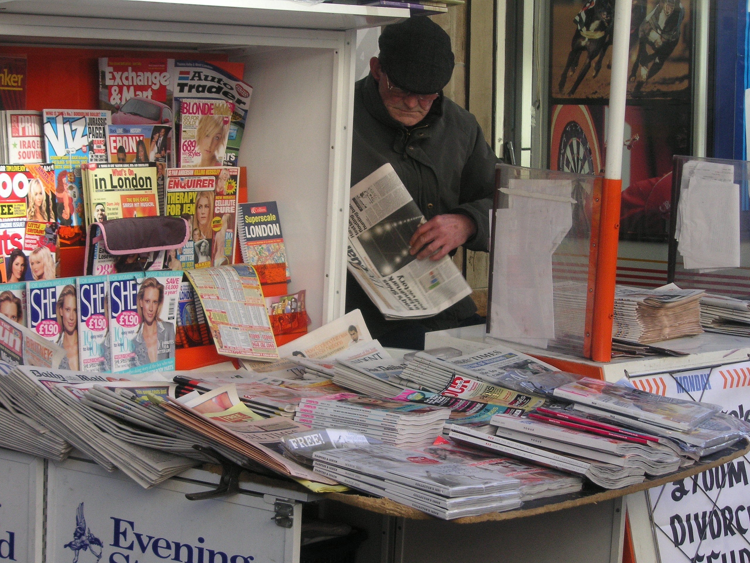 newspaper_vendor